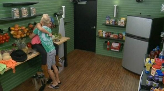 BB16-0630-Frankie-hugs-joey
