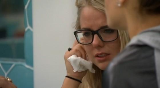 BB16-0725-Nicole-crying