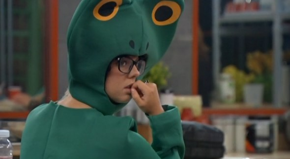 Nicole Franzel turned in to a frog