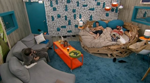 bb16-20140714-1415-hoh-room