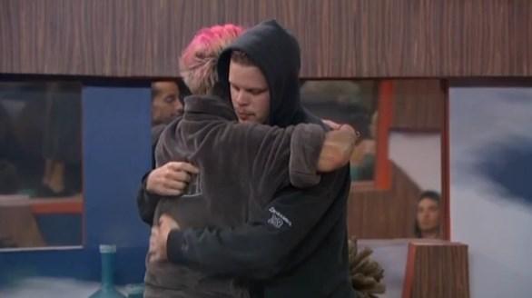 Derrick Levasseur consoled by Frankie Grande