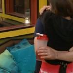 BB16-0807-Victoria-hugs-derrick