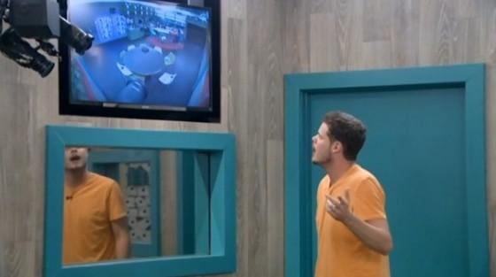 Derrick plots his next move on Big Brother 16