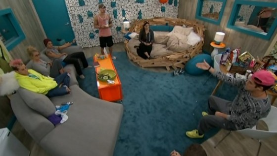 bb16-bblf-20140810-0249-hoh-room-02