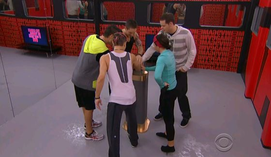 bb16-episode-33-button-01-00