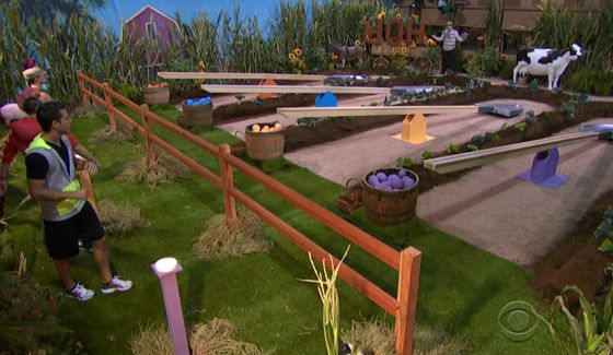 bb16-episode-33-hoh-comp-01-00