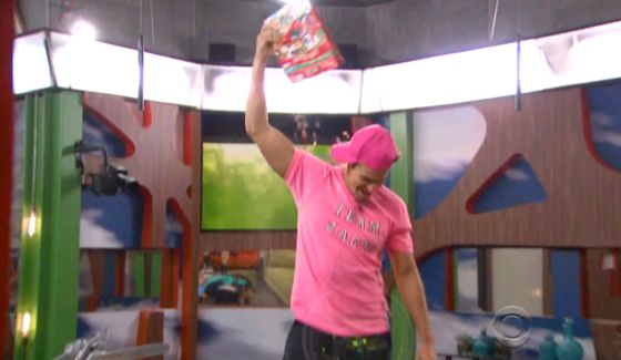 bb16-episode-36-lux-zach-02-00