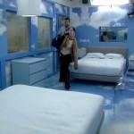 Nakomis & Scott look for beds