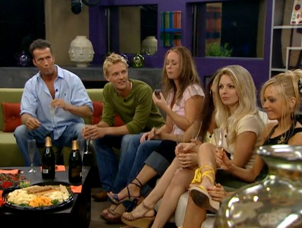 Houseguests introduce themselves