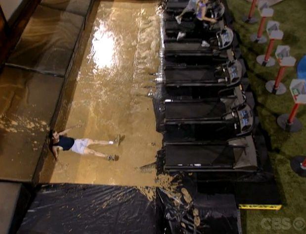 Cowboy falls from his treadmill
