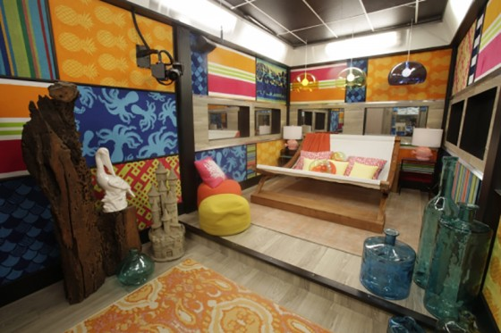 The BB17 Hammock Room features beach towels as decor - Source: CBS