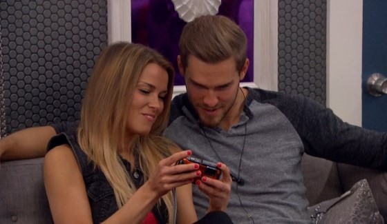 Shelli Poole & Clay Honeycutt enjoy BB17 pics