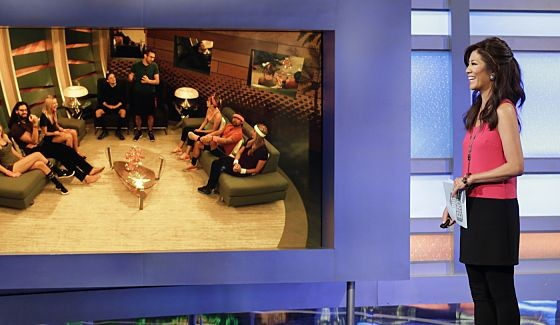 Julie Chen talks with Big Brother 17 HGs