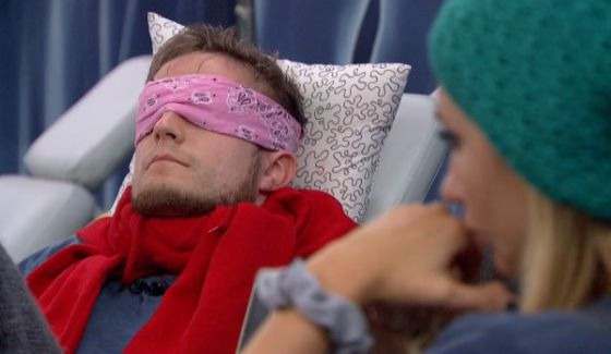 John sleeps while Vanessa plots to destroy him