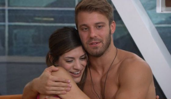 Paulie and Bronte hug it out on BB18