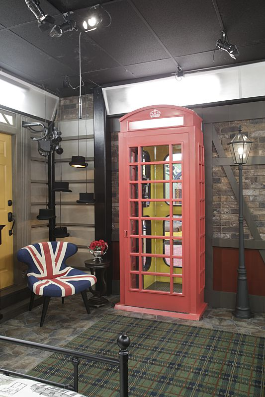 British themed doorway inside the Big Brother 18 house