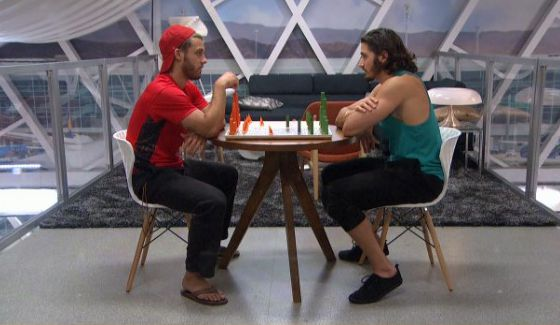 Paulie Calafiore & Victor Arroyo play chess on BB18