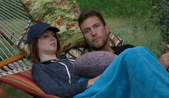 Michelle and Corey in the BB18 hammock