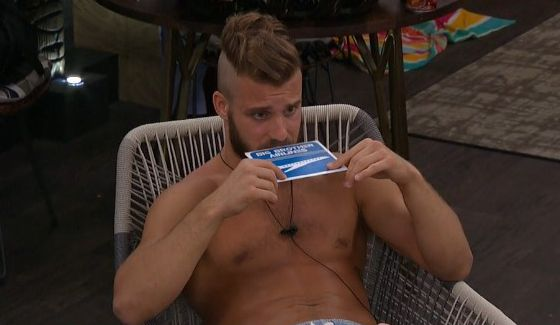 Paulie tries to sniff out his ticket