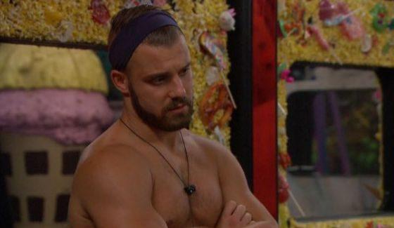Paulie talks with James on BB18