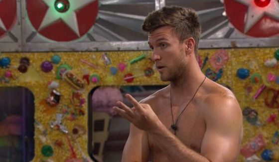 Corey counts off the votes on BB18