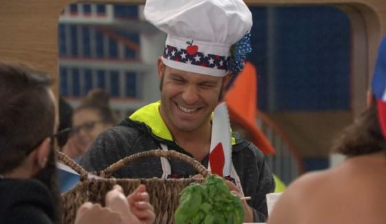 Paulie enjoys his apple pies on Big Brother 18