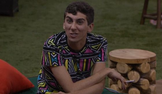 Jason Roy works on an alliance on BBOTT