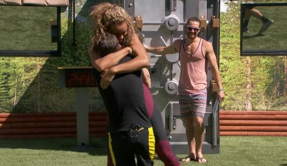 Jason and Danielle celebrate his Veto win on BBOTT