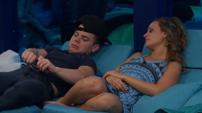 JC shows Kaitlyn his gameplan on BB20