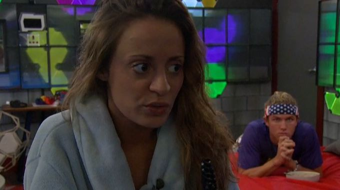 Kaitlyn talks with Tyler on Big Brother 20